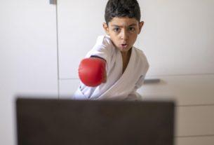 เรียนกีฬาต่อสู้